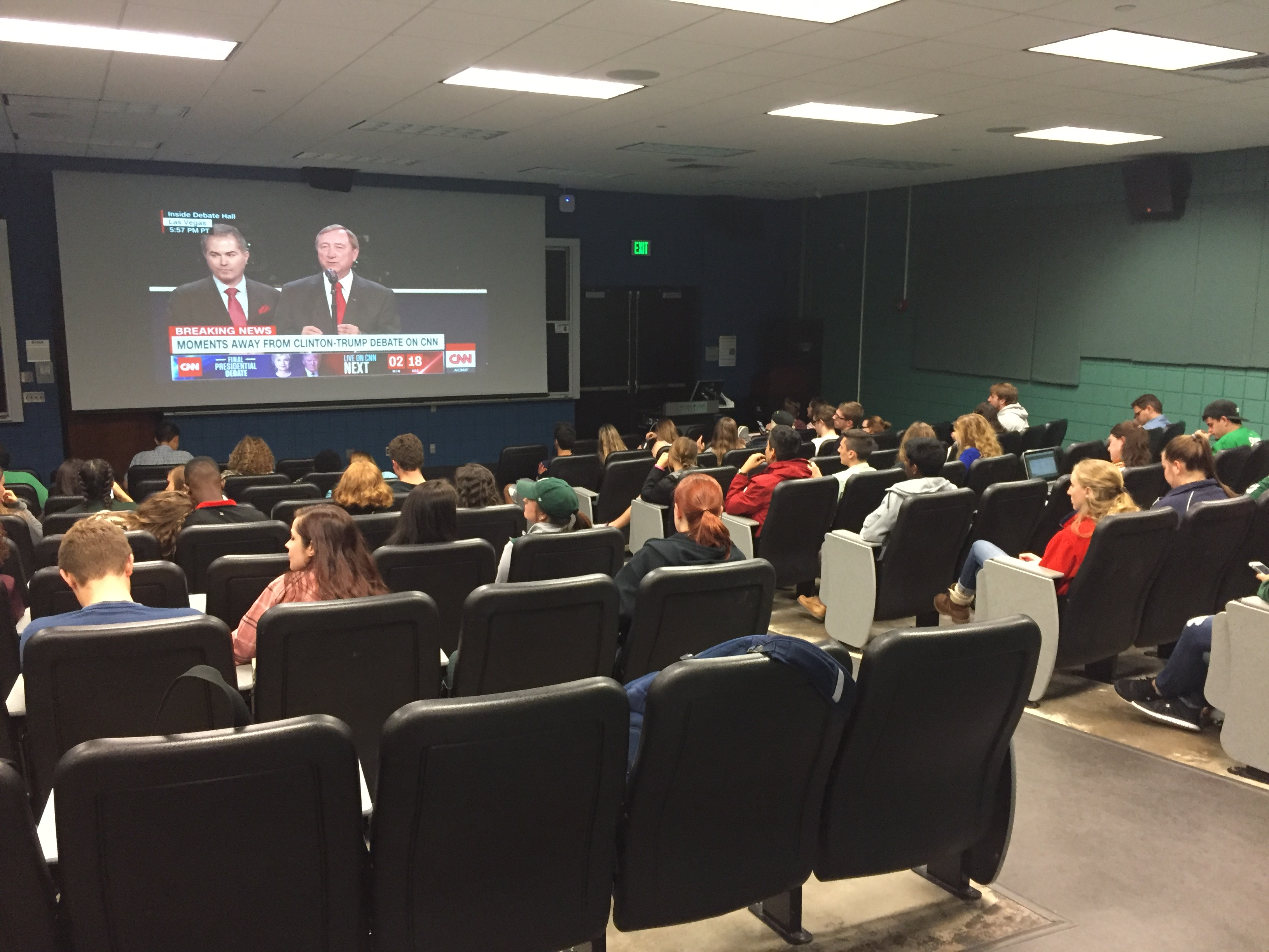 Students in B122 Wells Hall tune into the presidential debate on Wednesday, Oct 19