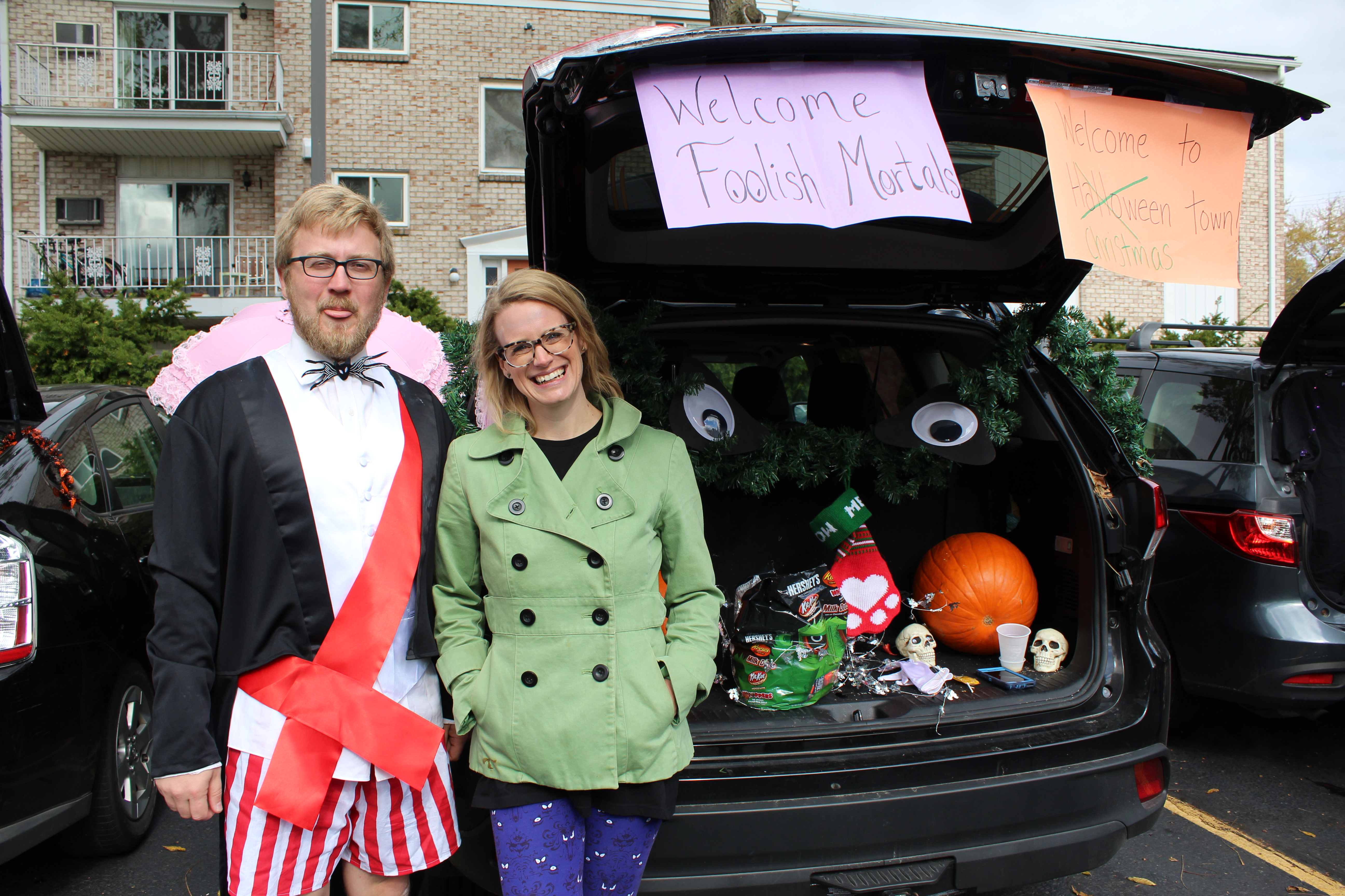Tricked-out cars treat children at Halloween event | Spartan Newsroom