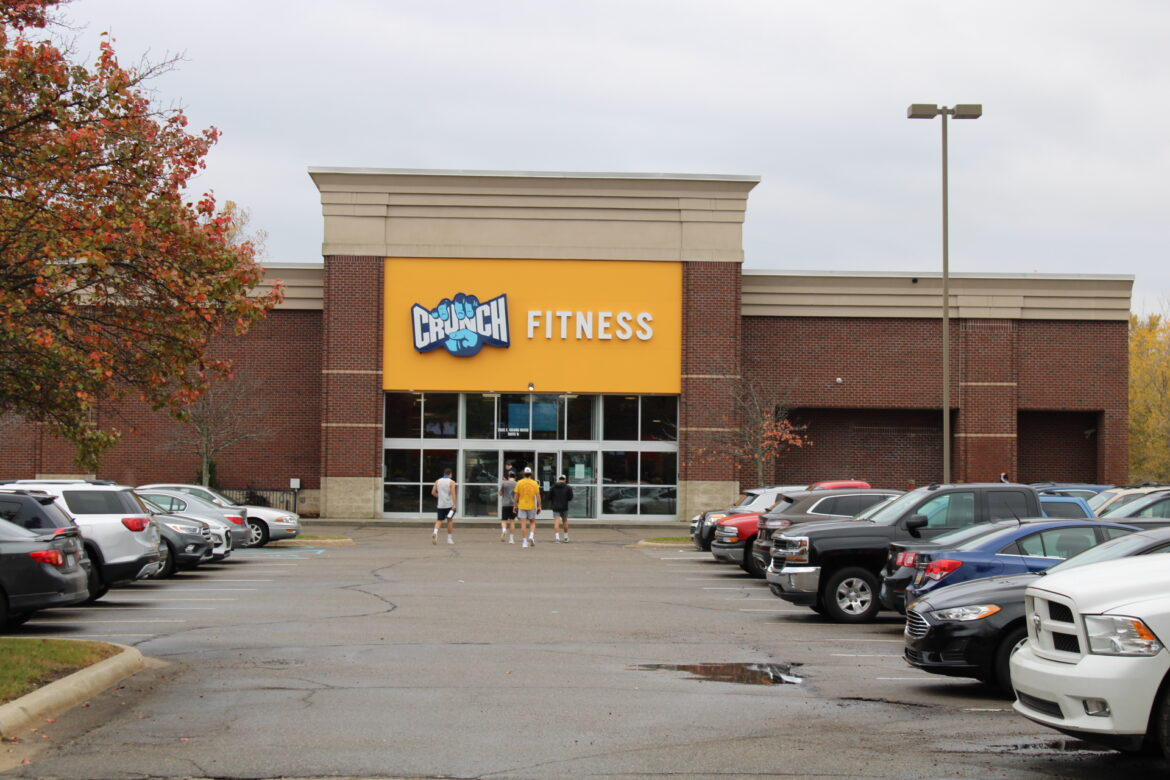 Photo of Crunch Fitness trying to keep members safe amid rising COVID-19 cases