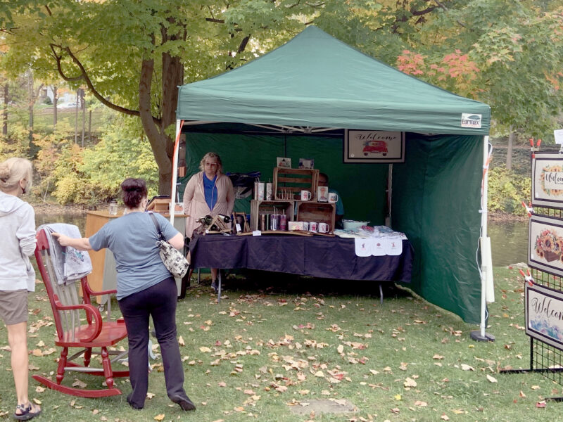 Grand Ledge Chamber of Commerce ended its farmers market season with a Fall Festival on Saturday, Oct. 10. This festival gave small businesses the opportunity to sell products successfully while growing and gaining a customer base.